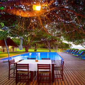 Dinner time at the Archipelago Resort - Self Catering Accommodation Mozambique - Guinjane Lodge